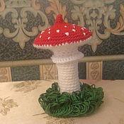 Куклы и игрушки ручной работы. Ярмарка Мастеров - ручная работа вязаная игрушка  грибок мухомор. Handmade.