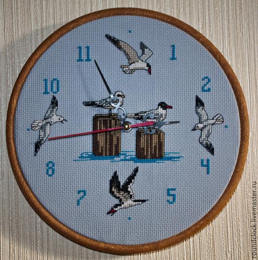 """Часы для дома ручной работы. Ярмарка Мастеров - ручная работа. Купить Часы с ручной вышивкой """"Чайки"""". Handmade. Голубой, часы"""