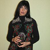 """Одежда ручной работы. Ярмарка Мастеров - ручная работа Валяный черный шерстяной жилет """"Розы"""" с павловопосадским платком. Handmade."""