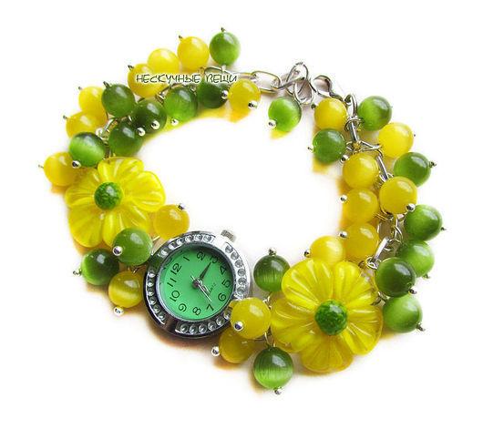 """Часы ручной работы. Ярмарка Мастеров - ручная работа. Купить """"Солнечная поляна"""" наручные часы с бусинами лэмпворк. Handmade. Желтый"""
