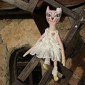 Куклы и игрушки ручной работы. Ярмарка Мастеров - ручная работа Игрушка кошка в стиле Бохо. Handmade.
