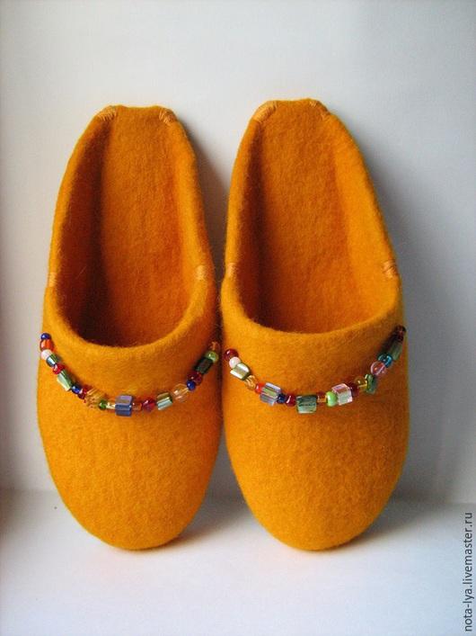 Обувь ручной работы. Ярмарка Мастеров - ручная работа. Купить Валяные домашние тапочки. Солнышко.. Handmade. Оранжевый, шерстяные тапочки