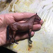 Мини фигурки и статуэтки ручной работы. Ярмарка Мастеров - ручная работа Фигурка «Лошадь гнедая», размер №1. Handmade.