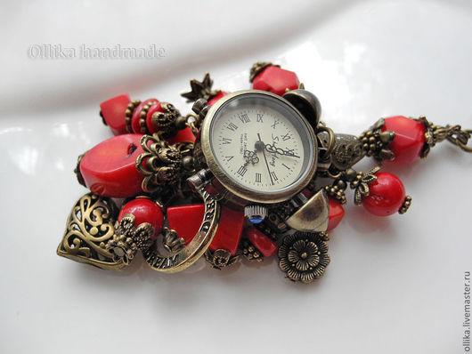 Брелок для ключей, на сумку На Том Же Месте в Тот Же Час брелок на сумку, брелок для сумки, оригинальный подарок, подарок женщине девушке, красный, брелок часы, брелок для ключей, брелок с кораллами,