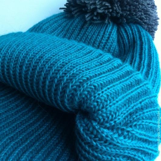 Шапки ручной работы. Ярмарка Мастеров - ручная работа. Купить Шапка двойная вязаная цвета морской волны с серым помпоном. Handmade.