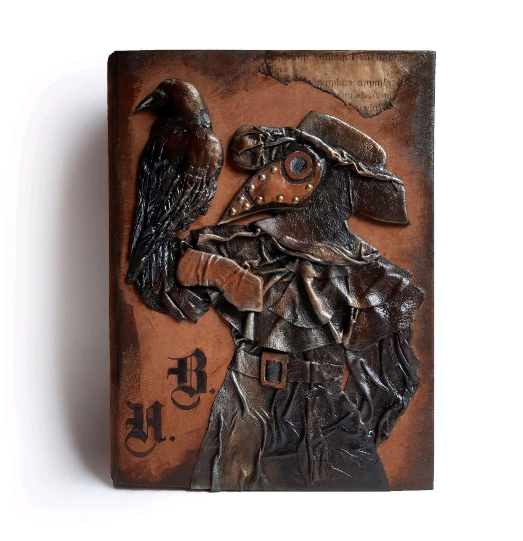 Блокноты ручной работы. Ярмарка Мастеров - ручная работа. Купить Кожаная готическая книга для записей Чумной доктор. Handmade. Готика