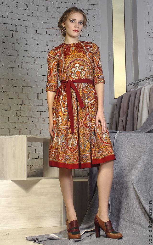 Сочетание платка и платья