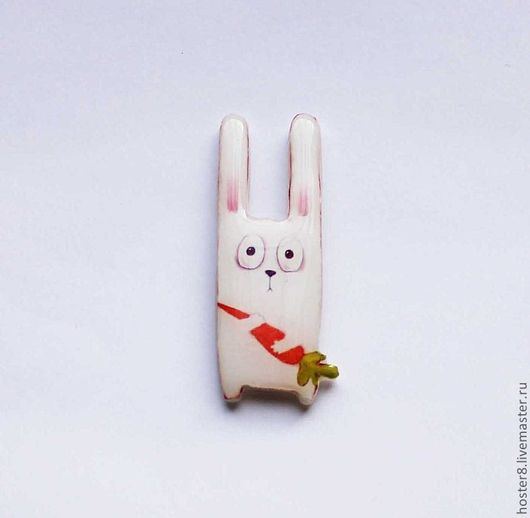 """Броши ручной работы. Ярмарка Мастеров - ручная работа. Купить Брошь """"Зайка с морковкой"""" (0073). Handmade. Брошки, брошь, морковка"""