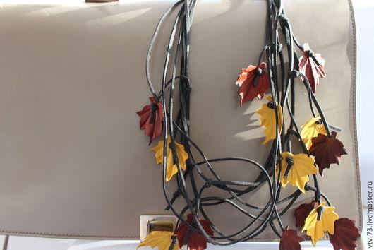 """Колье, бусы ручной работы. Ярмарка Мастеров - ручная работа. Купить Комплект (колье+серьги) украшений из кожи """"Листопад"""". Handmade. Листья"""