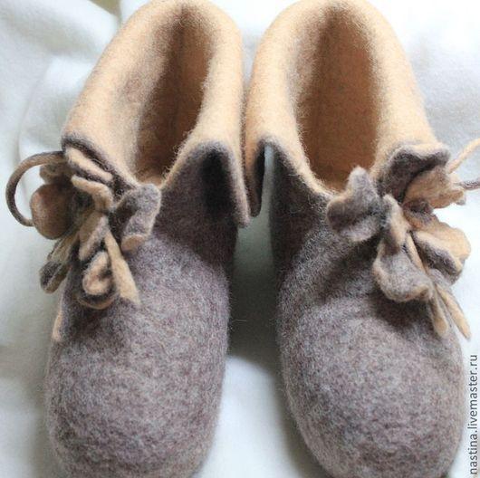 """Обувь ручной работы. Ярмарка Мастеров - ручная работа. Купить Тапки-валенки """"Тишина"""". Handmade. Бежевый, валяные тапочки"""