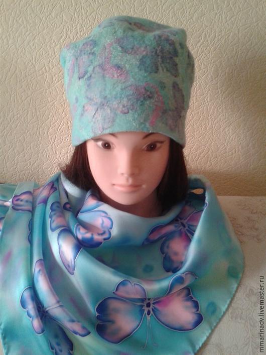 Валяная шапка `Крылышки, бирюза`, шерсть 100%, шёлк батик. Авторская работа Марины Маховской. Головные уборы ручной работы.