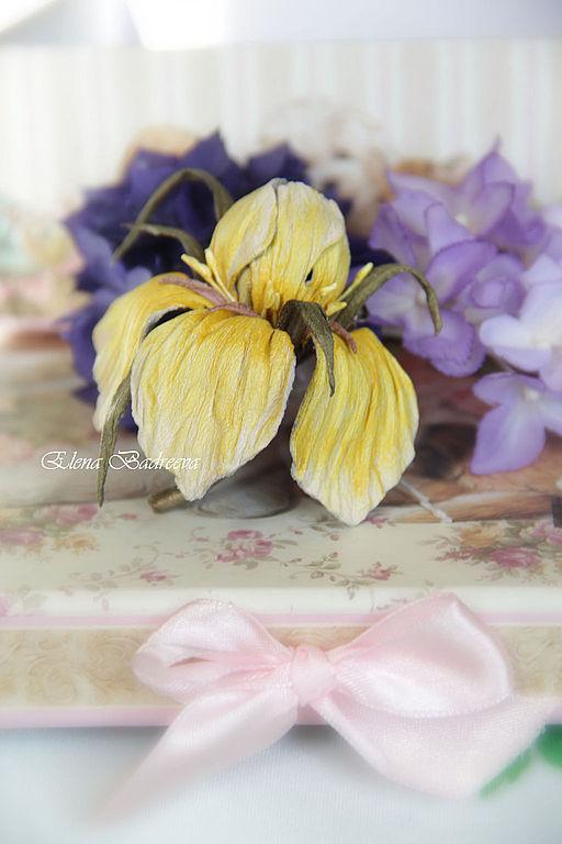 """Броши ручной работы. Ярмарка Мастеров - ручная работа. Купить Брошь из кожи """"Iris Provence"""". Handmade. Бежевый, украшение из кожи"""