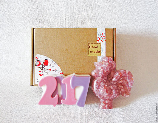"""Новый год 2017 ручной работы. Ярмарка Мастеров - ручная работа. Купить Новогодний набор мыла """"Год Петуха"""", розовый, подарки на новый год 2017. Handmade."""