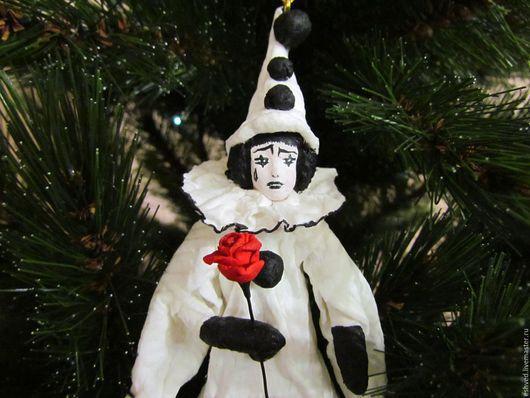 Сказочные персонажи ручной работы. Ярмарка Мастеров - ручная работа. Купить Пьеро - ватная игрушка на ёлку. Handmade. Белый