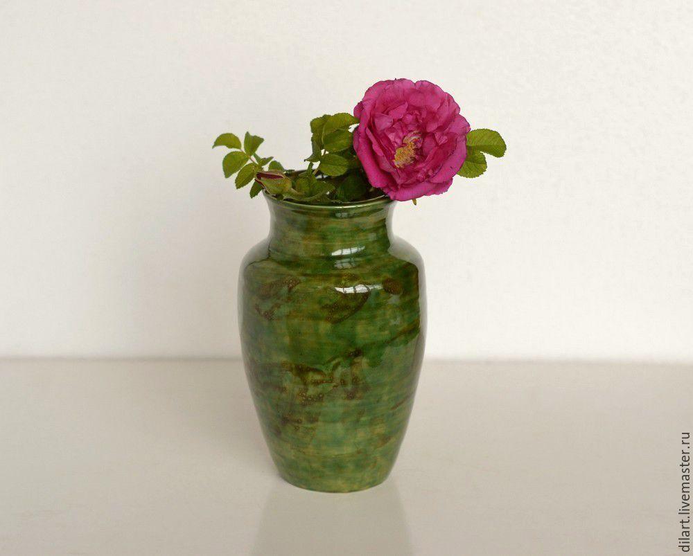 Керамическая ваза и яблоко Нефритовый сад