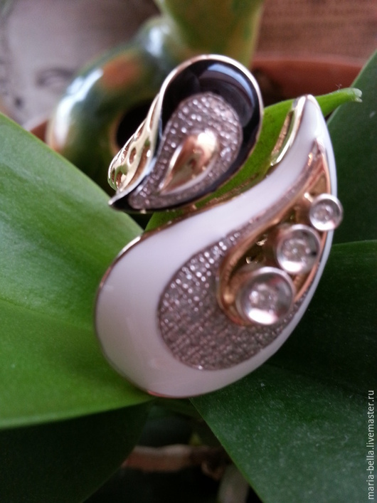 Кольца ручной работы. Ярмарка Мастеров - ручная работа. Купить Гармония. Золотое кольцо с бриллиантами и эмалью. Handmade. кольцо с эмалью