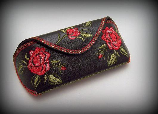 Футляры, очечники ручной работы. Ярмарка Мастеров - ручная работа. Купить Футляр для очков кожа с вышивкой Розы. Handmade.