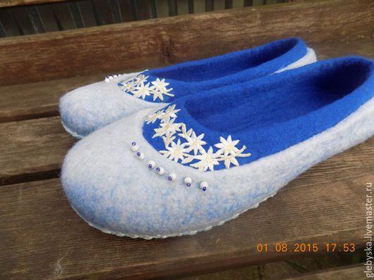 """Обувь ручной работы. Ярмарка Мастеров - ручная работа. Купить тапочки """"Снежинки"""". Handmade. Комбинированный, удобная обувь, вощёная нить"""