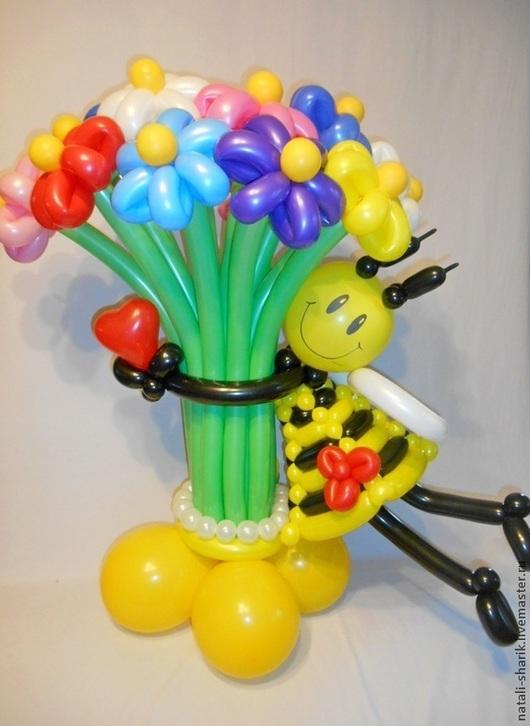 Праздничная атрибутика ручной работы. Ярмарка Мастеров - ручная работа. Купить Букет цветов из воздушных шаров с пчелкой.Хит!. Handmade.