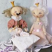 """Куклы и игрушки ручной работы. Ярмарка Мастеров - ручная работа """"На златом крыльце..."""" текстильные куклы. Handmade."""