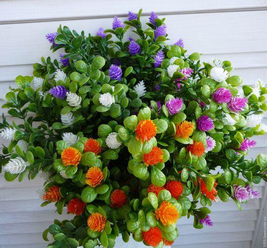 Кустик зелени декоративный и цветущий. Для составления флористических композиций, букетов, декорирования  топиария и др. Флористическая зелень. Дополнение к букетам Разные цвета Палочка-выручалочка