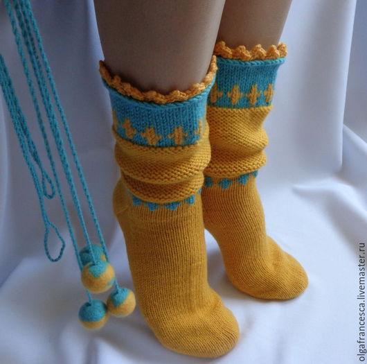 Носки, гольфы, чулки, сапожки ручной работы. Носки вязаные, валяные шерстяные. Теплые шерстяные носочки-сапожки-гольфы «Dzintars» из коллекции «Подарки». Olgafrancesca . Ярмарка мастеров.
