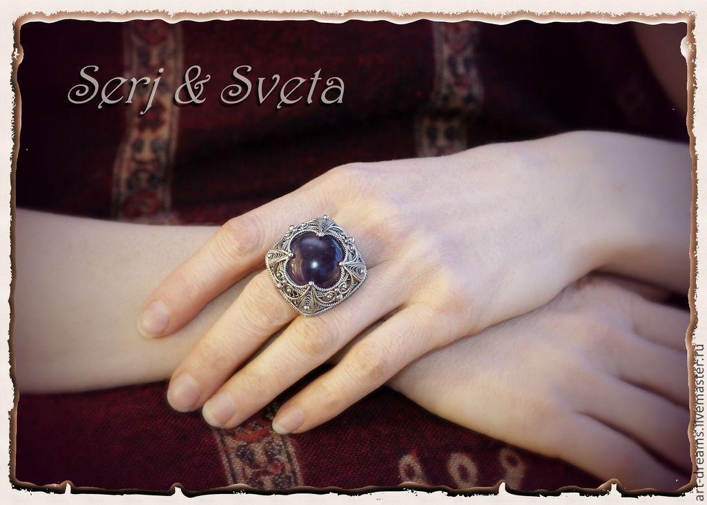 кольцо с знаком удачи