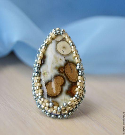 Кольцо с океанической яшмой.Яшма.Вышивка бисером.Вышитое бисером кольцо.Редкие  камни.Яшма океаническая.Tanit.Украшения  и картины.Ярмарка мастеров.
