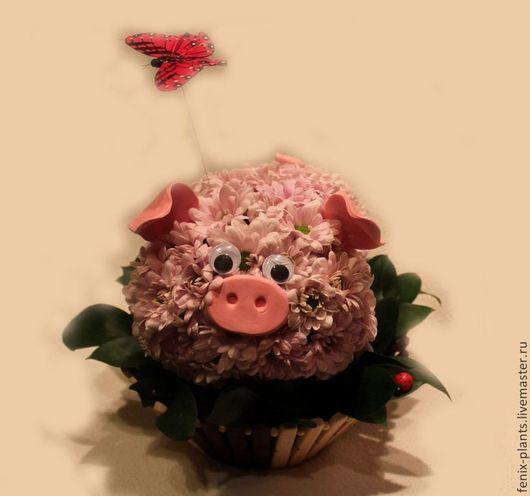 """Букеты ручной работы. Ярмарка Мастеров - ручная работа. Купить Игрушка из цветов """"Поросенок"""". Handmade. Поросенок, хряк, букет в подарок"""