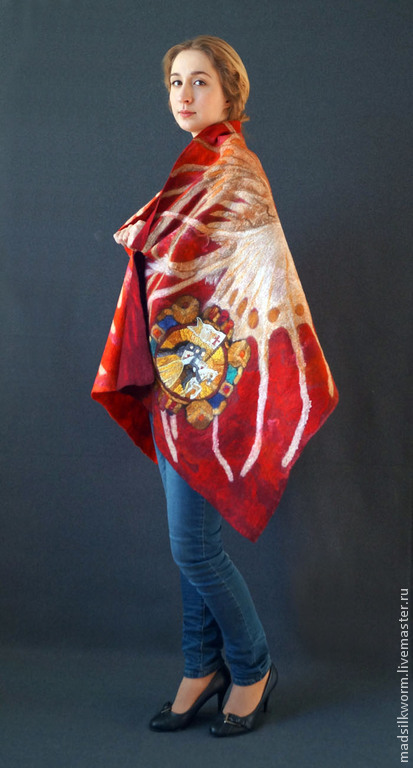 """Шали, палантины ручной работы. Ярмарка Мастеров - ручная работа. Купить """"Крылатка и крестоносцы"""" Красный вариант. Палантин тёплый валяный. Handmade."""