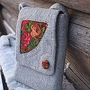 Сумки и аксессуары ручной работы. Ярмарка Мастеров - ручная работа Серая сумка через плечо с красными павловопосадскими розами. Handmade.