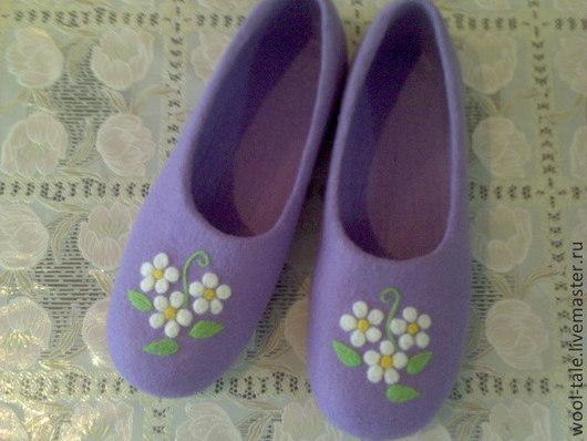 Обувь ручной работы. Ярмарка Мастеров - ручная работа. Купить тапочки женские, тапочки из натуральной шерсти, тапочки с ромашками. Handmade.