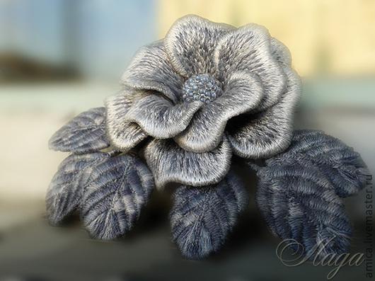 Готовые работы видны  в профиле мастера.Эта светло-серая розочка не боится влаги,как обычные цветы из ткани,поэтому легко  приживется не только на  пиджаке,свитере,платье,но и на верхней одежде.