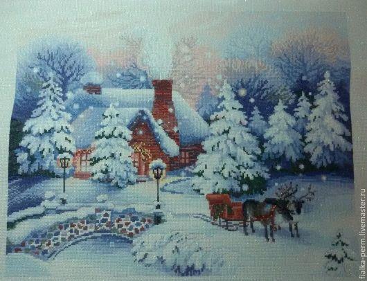 """Фантазийные сюжеты ручной работы. Ярмарка Мастеров - ручная работа. Купить вышитая картина """"Накануне Рождества"""". Handmade. Голубой, ели"""