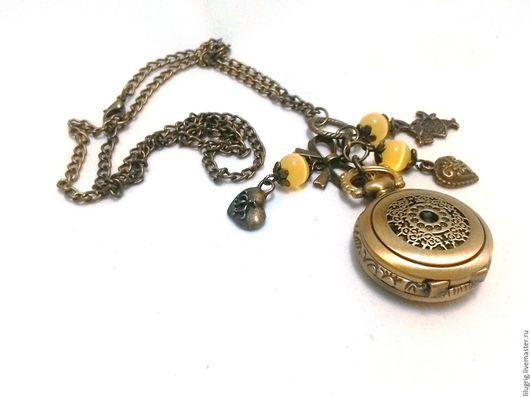 """Часы ручной работы. Ярмарка Мастеров - ручная работа. Купить Часы-кулон """"Резное счастье"""". Handmade. Часы, подарок девушке"""