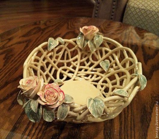 Фруктовница `Крем-брюле`. Плетеная керамика и керамические цветы Елены Зайченко