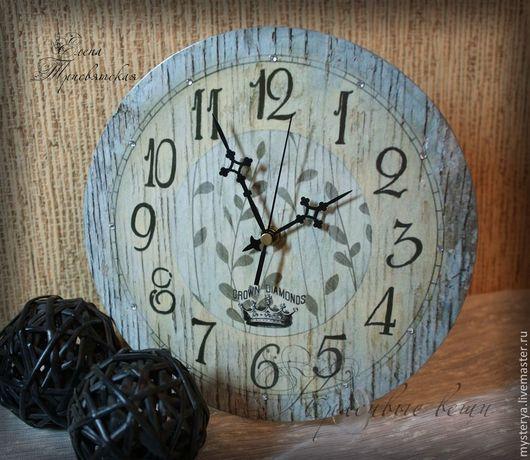 Часы `Дачный шик`.