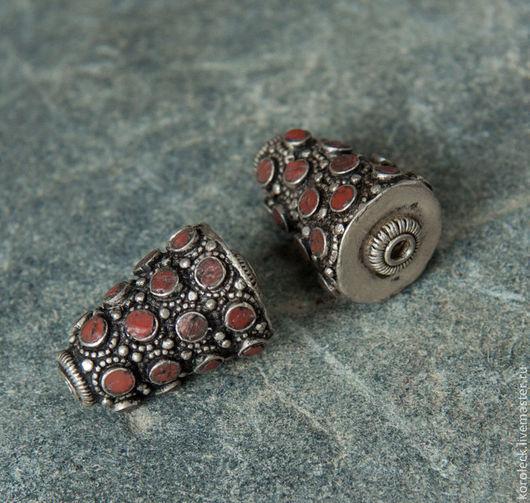 Для украшений ручной работы. Ярмарка Мастеров - ручная работа. Купить Тибетские серебряные крупные конические бусины с горным кораллом. Handmade.