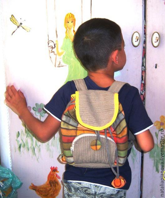 Рюкзаки ручной работы. Ярмарка Мастеров - ручная работа. Купить Детский лоскутный рюкзак. Handmade. Абстрактный, подарок на любой случай
