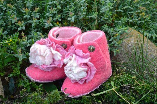Детская обувь ручной работы. Ярмарка Мастеров - ручная работа. Купить Тапочки для девочки. Handmade. Розовый, Тапочки ручной работы
