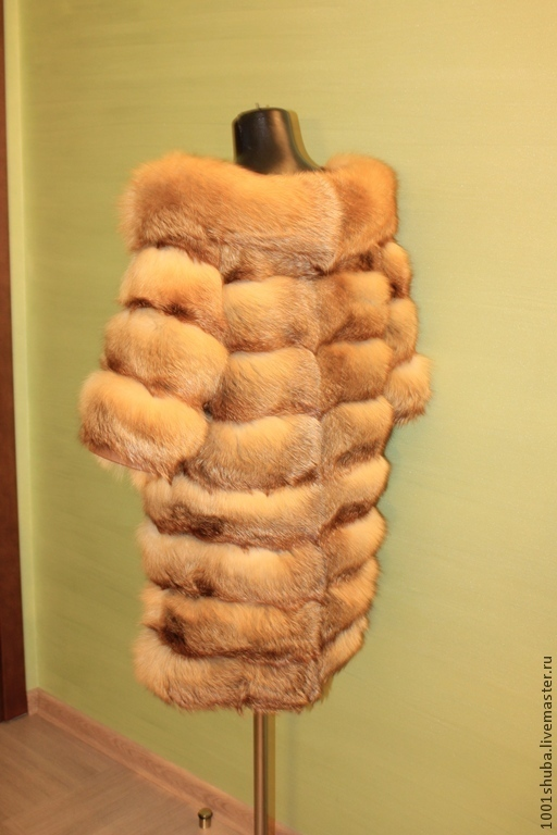Fox fur coat,Russian fur,cross sewing on the leather, and detachable full sleeve to 3/4, length 90 cm, coat is light,warm turn-down collar boat, this model looks good with a scarf. p