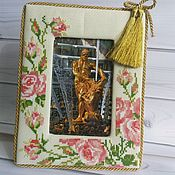 "Сувениры и подарки manualidades. Livemaster - hecho a mano Photo frame, Embroidered cross-stitch photo frame ""Roses"". Handmade."