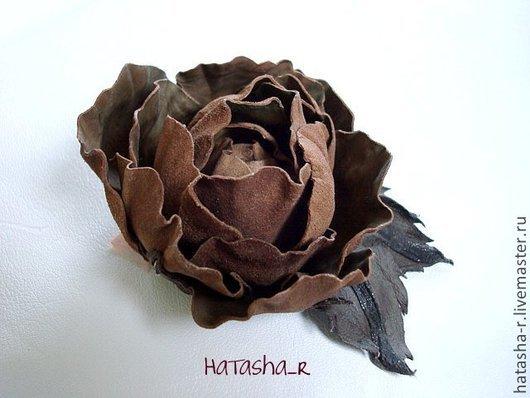 Цветы ручной работы. Ярмарка Мастеров - ручная работа. Купить Цветы из кожи. Брошь Нераспустившийся бутон розы...... Handmade.