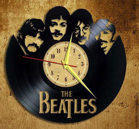 """Часы для дома ручной работы. Ярмарка Мастеров - ручная работа. Купить Часы из пластинки """"Beatles"""". Handmade. Черный, виниловая пластинка"""