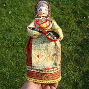 """Народная кукла ручной работы. Ярмарка Мастеров - ручная работа Куклы: В русском народном стиле """"Грибочки на жареху"""". Handmade."""