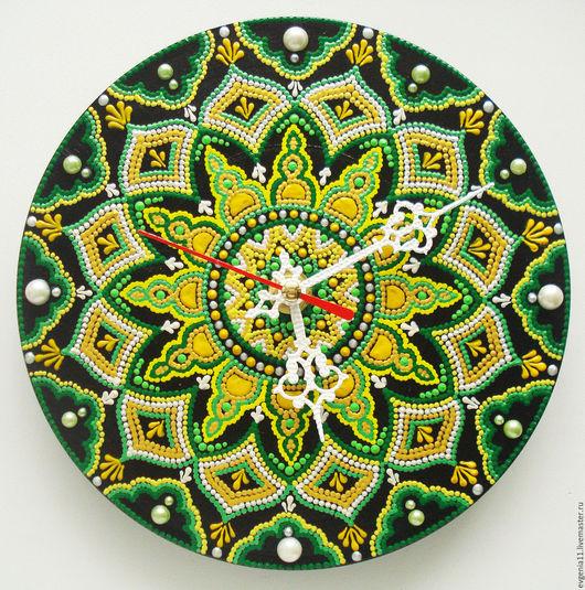 """Часы для дома ручной работы. Ярмарка Мастеров - ручная работа. Купить Часы """"Весна"""". Handmade. Зеленый, весеннее настроение, мандала"""