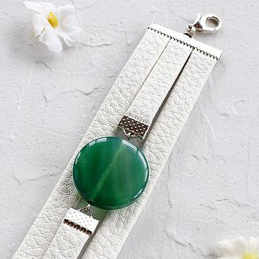 Украшения ручной работы. Ярмарка Мастеров - ручная работа Бело-зеленый браслет из кожи женский кожаный браслет. Handmade.