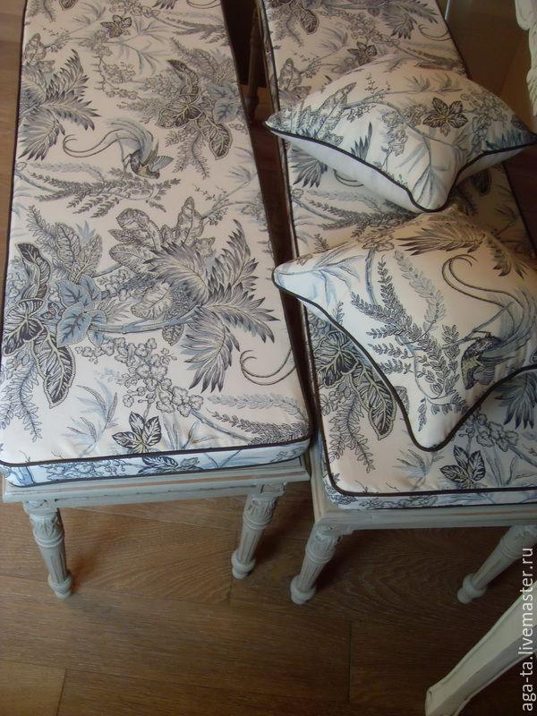 Подушки поролоновые с чехлами. Для скамеек, плетеной мебели, для табуретов и стульев. На фото подушки
