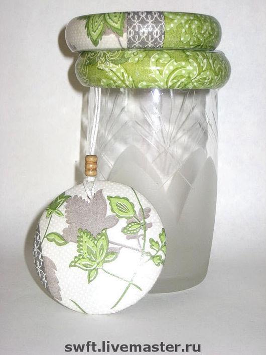 белый фиолетовый зеленый модный красивый женский недорогой деревянный браслет кулон недорого красиво подарок что подарить девушке женщине сестре подруге маме жене на 8 марта день рождения дерево
