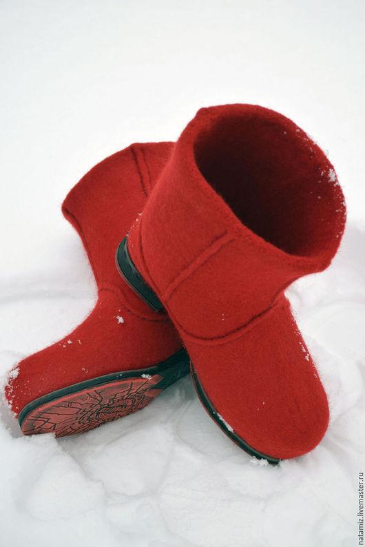 Обувь ручной работы. Ярмарка Мастеров - ручная работа. Купить Сафьяновые валенки-сапожки. Handmade. Ярко-красный, зима близко